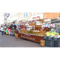 Amsterdam Albert Cup Market Hakkında Bilgiler