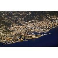 Küçük Ama Gece Hayatı Büyük, Monako