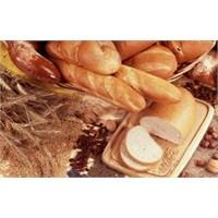 Dikkat, Ekmekten Boya, Baldan Naftalin Çıkabilir