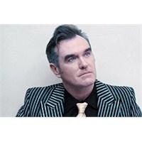 Morrissey, Çenesi, Sesi… Her Neyse.