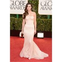 Golden Globe Ödüllerinde Kim, Ne Giymiş