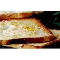 Pratik Evde Yumurtalı Ekmek Yapın