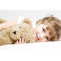 Çocuğun Ebeveyn İle Yatması Normal Mi?