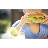 Çocuklarda Obezitenin En Büyük Nedeni