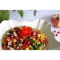 Narlı Nohut Salatası