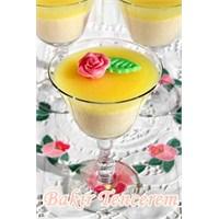 İrmikli Ve Limonatalı Pratik Tatlı