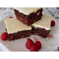 Brownie, Beyaz Çikolatalı - Yogurtkitabı.Com