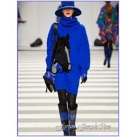 Mavi Giymenin Şık Yolları