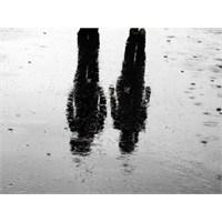 Yağmurda Yürümeye Başladılar