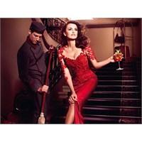 Penelope Cruz'un Campari Kırmızısı Tarzı!