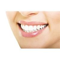 Dişlerinizi Evde Nasıl Beyazlatabilirsiniz?
