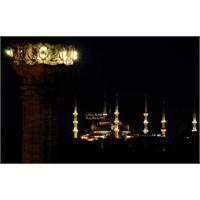 Sultanahmet Camii Az Kalsın Kütüphane Oluyormuş