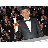 """""""Yalnız Ülkemin İyi Yönetmeni"""" Yine Cannes'da!"""