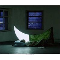 Ay Işığı Dans Ediyor Penceremde...