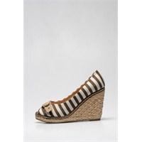 İnci'den Yeni Ayakkabı Tasarımları