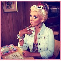 "Christina Aguilera & ""Your Body"" Stili"