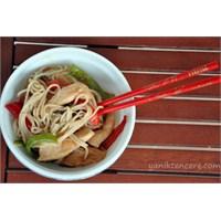 Kolayca Hazırlanabilen Lezzetli Noodle Tarifi