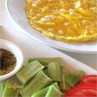 Peynirli Omlet / Cheese Omelette