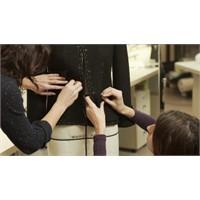 Video: Chanel Efsanevi Siyah Ceketini Nasıl Hazırl