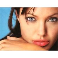 Ufak Hilelerle Angelina Dudakları Gibi Olsun