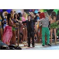 Victoria's Secret Fashion Show 2012 (Video)