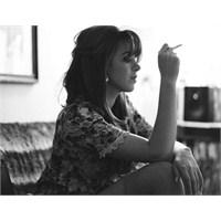 Yeni Şarkı: Clare Maguire - Little White Lies