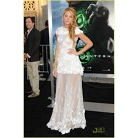 Blake Lively'nin Chanel Couture Elbisesi