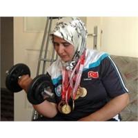 Engelleri Yıkan Bileğine Sağlık Şakire …