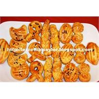 Kıyır Kıyır Tuzlu Pastane Kurabiyesi