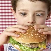 Çocuğunuz İçin Tehlikeli Olan Yiyecekler
