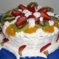 Meyveli Kolay Yaş Pasta Tarifi