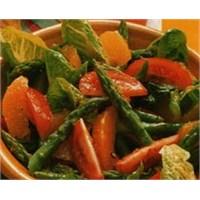 Portakallı Kuşkonmaz Salatası