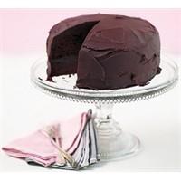 Çikolatalı Kek Tarifi Buyrun
