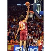 Aslan Futboldan Sonra Baskette De Trabzonu Yendi!