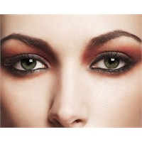Göz Şeklinize Uygun Göz Makyajı