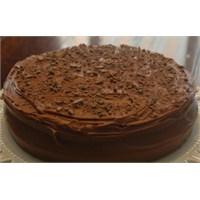 Leziz Çikolatalı Kek
