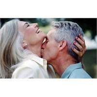 Yaşlılıkta Seks Sizi Daha Genç Gösterir (?)