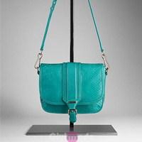 Rengarenk 2012 Burberry Çantaları