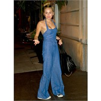 Miley Cyrus'un Sokak Modası Tercihleri