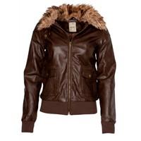 Deri Ceketler İle Kışı Rahat Geçirin