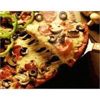 Sucuklu Pizza Yapılışı