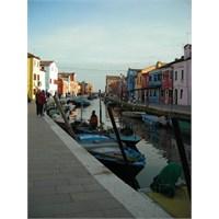 Uçan Süpürge / Venedik Burano Adası