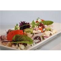Salata Horiatiki Tarifi >>