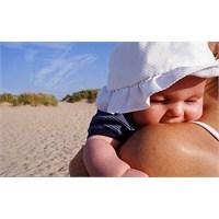 Bebekleri Güneş Yanığına Karşı Nasıl Korumalı?