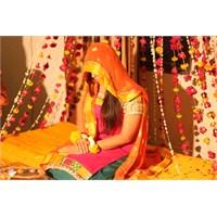 Hint Kültürüyle Bezenmiş Büyülü Bir Pakistan Düğün