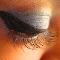 Eyeliner Nasıl Sürülür...