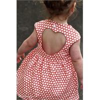 Çocuklarınıza Sırtı Kalp Şeklinde Elbise Dikebilir