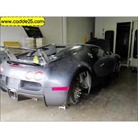 Kazalı Bugatti Veyron Fotoğrafları