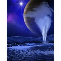 Jüpiter'in Ayı Europa'dan Su Püskürdüğü Gözlendi