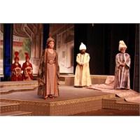 ' Kösem Sultan' Tiyatroseverler İle Buluşuyor